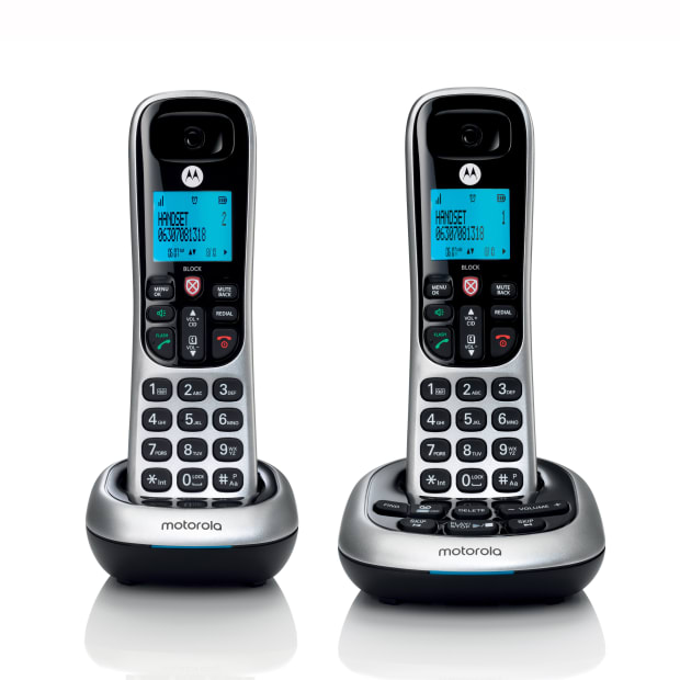 Motorola Digital Cordless Phone with Answering Machine - 2 Handsets