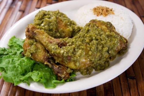 Masakan bebek rica rica cabe hijau