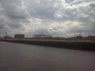 Big ship far away... QM2 in Hamburg