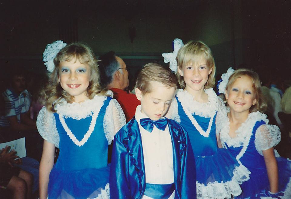 https://res.cloudinary.com/paradowski/image/upload/v1515439297/paradowski-site/Late_80s_Dance_Recital_ozvq2y.jpg