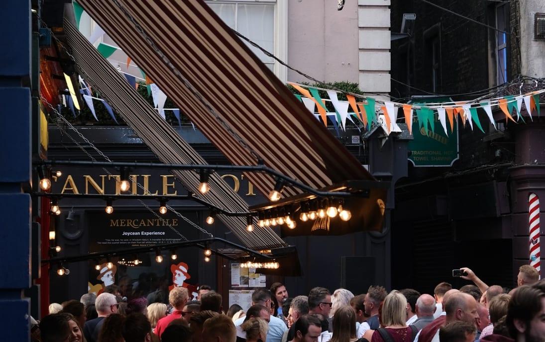 Busy Temple Bar