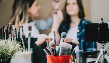 How To Become Certified In Beauty And Cosmetics