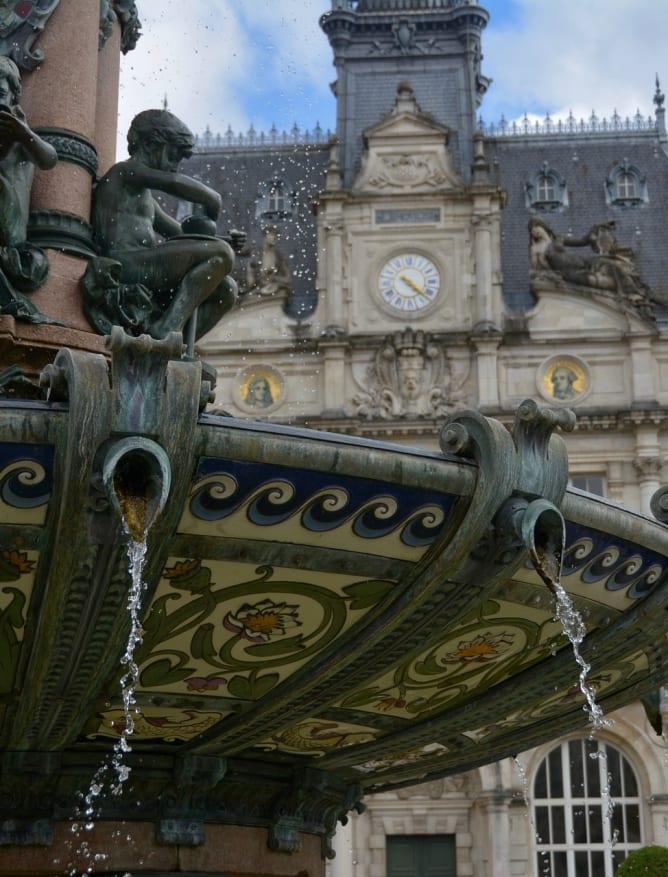 Porcelain fountain, Limoges
