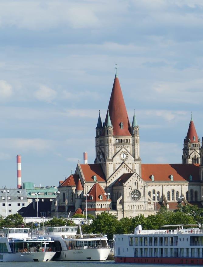 Riverside Vienna