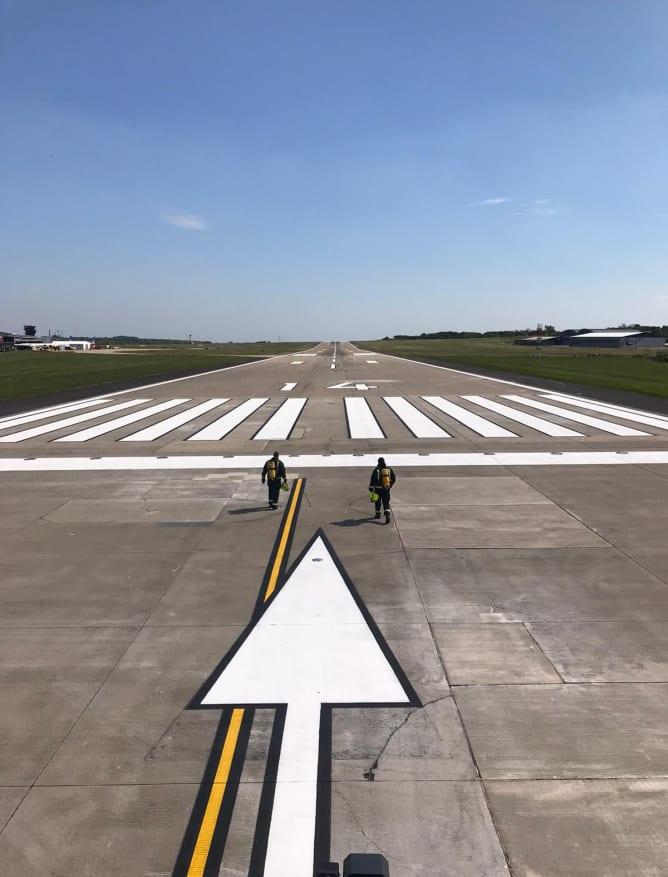 LBA runway relay