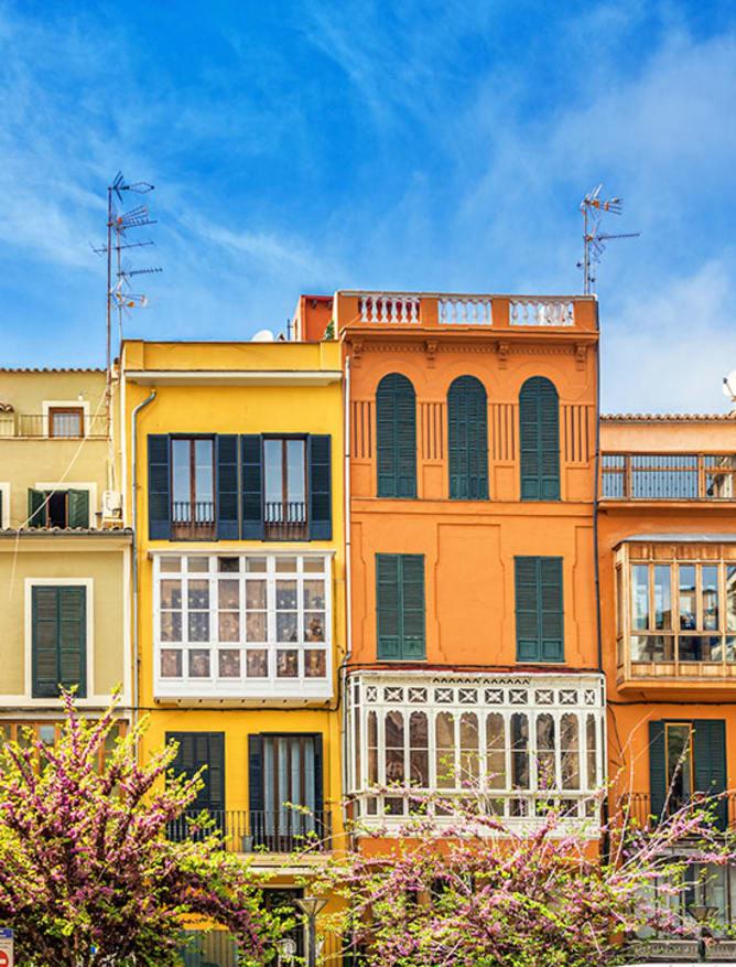 Palma's bright houses