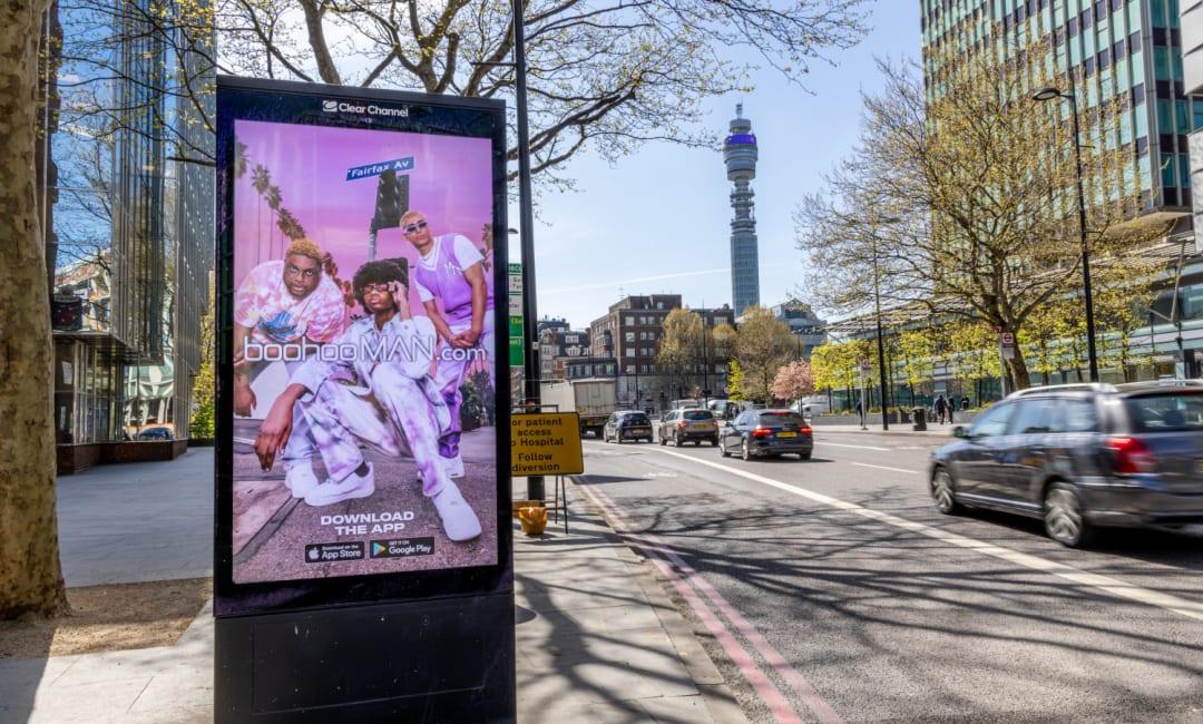Adshel Live Screen in London