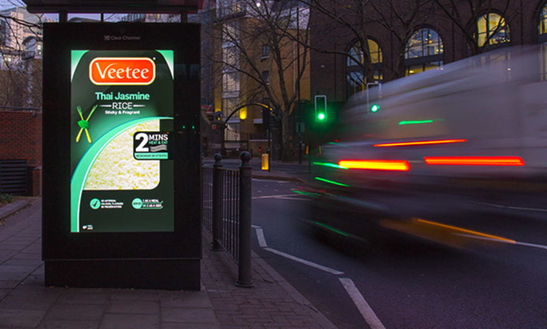 Adshel Live Screen in Outer London