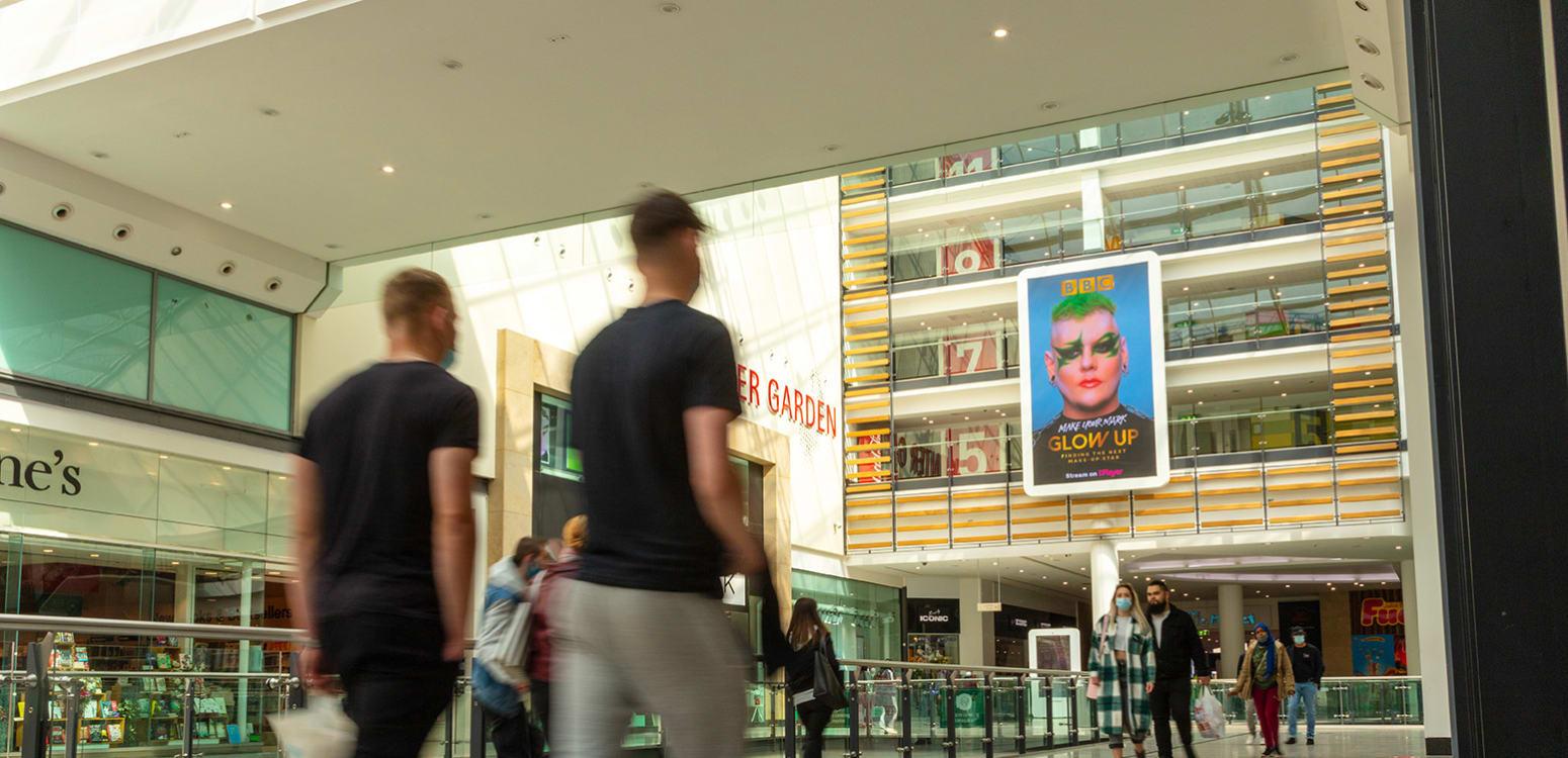 Glow Up on Malls Live XL