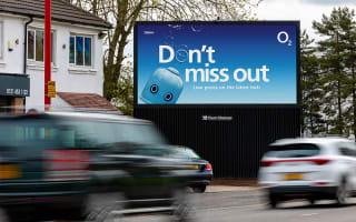O2 branding advert on Billboard Live digital screen