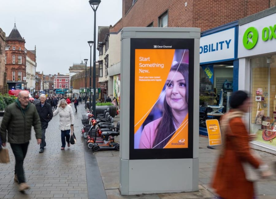 Adshel Live Screen in the East Midlands