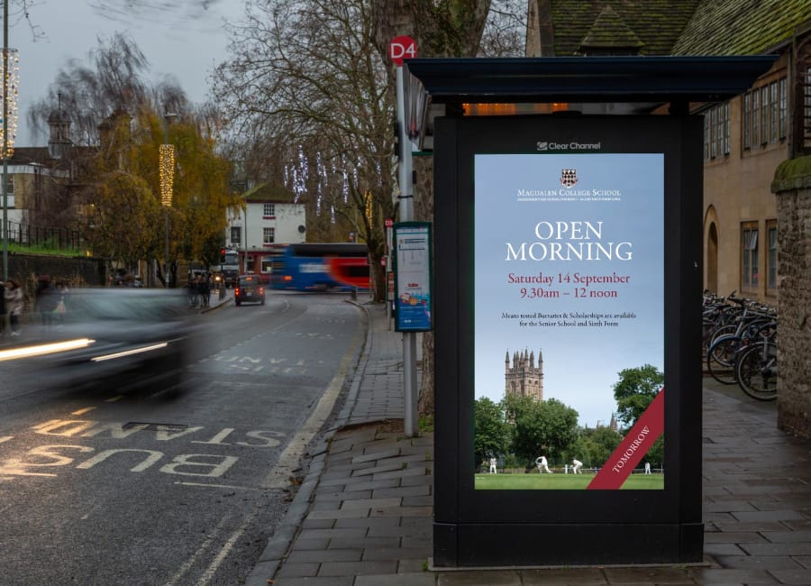 Adshel Live Screen in Oxford