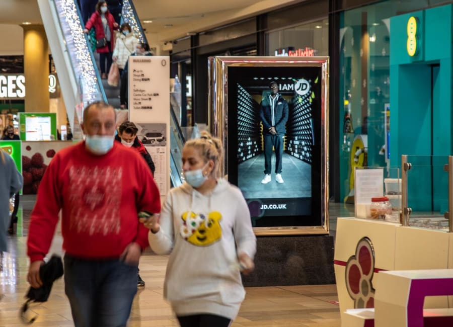 Malls Live Screen in the West Midlands