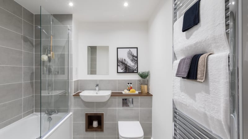 Hanbury Place - Bathroom