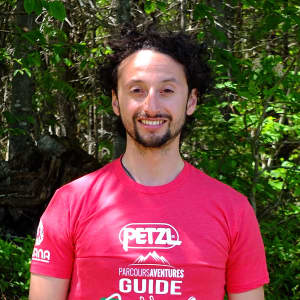 Photo de Sébastian Contreras, guide de via ferrata chez Parcours Aventures