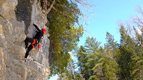 Photo de cours d'escalade de roche