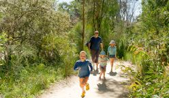 Nature play builds resilient, curious kids