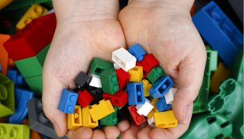 Do LEGO instructions hinder skills for the future?