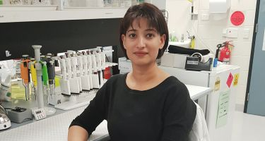 Pawinder Kaur in her lab . Credit: Amit Dhir