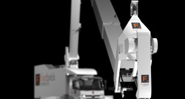 Hadrian's bricklaying arm is mounted on a truck for ultra portability . Credit: Fastbrick Robotics