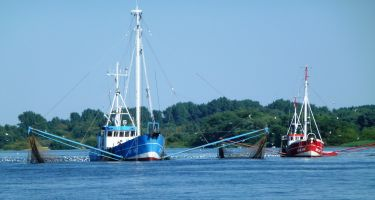 Commercial fishing vessel .