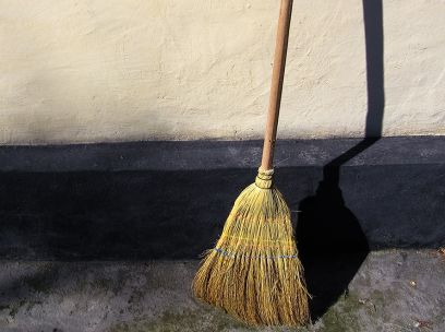 While you were sweeping: retelling stories of colonial WA