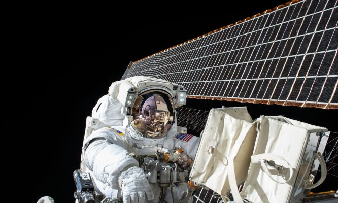 Mission Discovery July with NASA astronaut – The Sky's No Limit