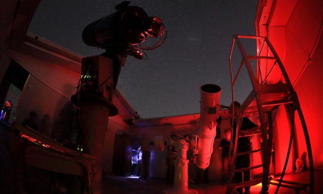 "Douglas Adams ""Towel Day"" @ Perth Observatory"