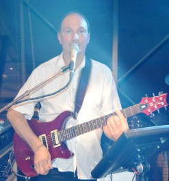 Peter DORA
