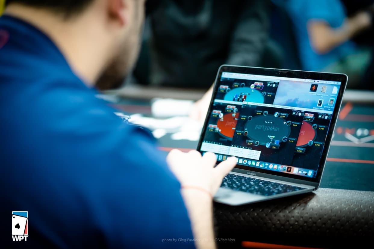 Покер онлайн посоветуйте как сделать сайт казино онлайн