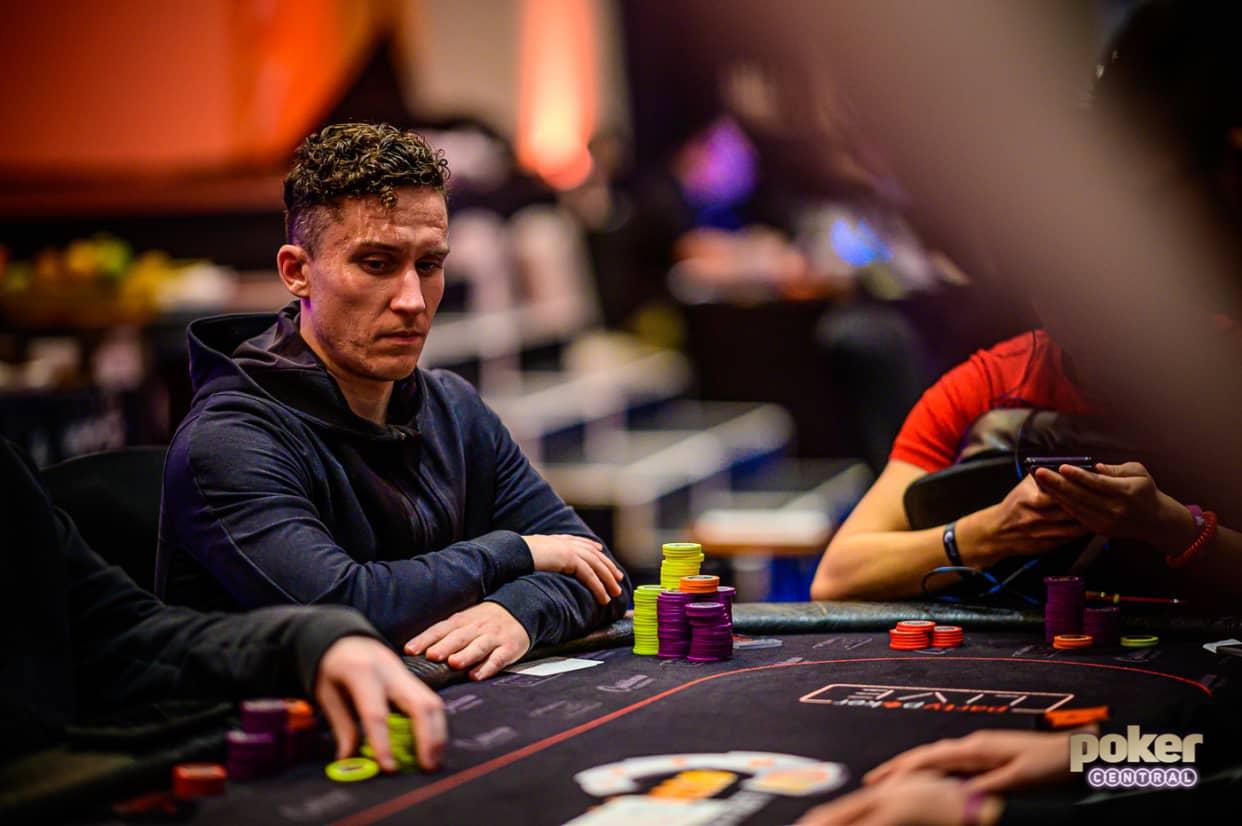 Как играть онлайн турнир покер правила покер онлайн без регистрации