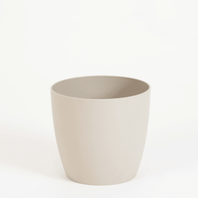 16cm wide curve-edged pot