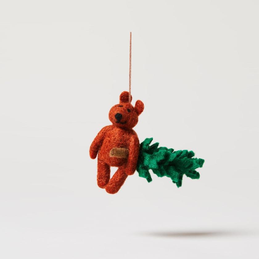felt bear with xmas tree