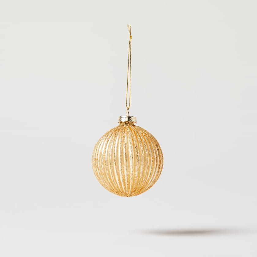 gold ribbed bauble
