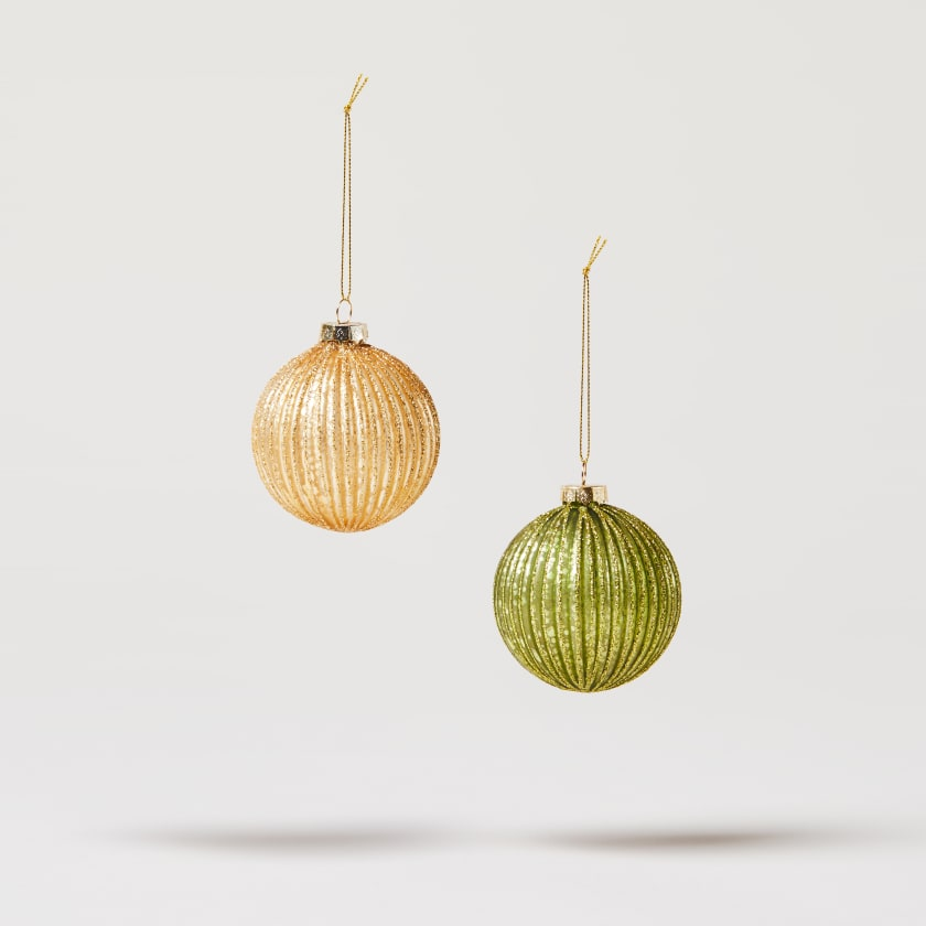 gold and green ribbed bauble