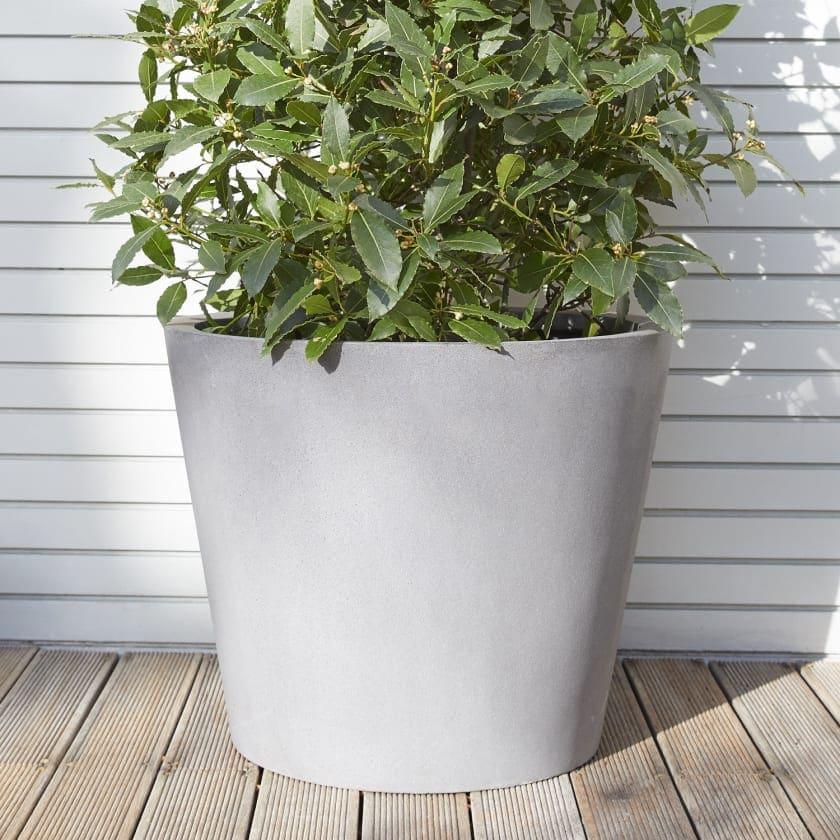 Polystone bucket