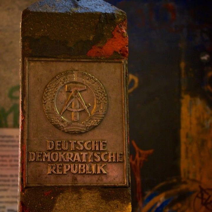 DDR border totem