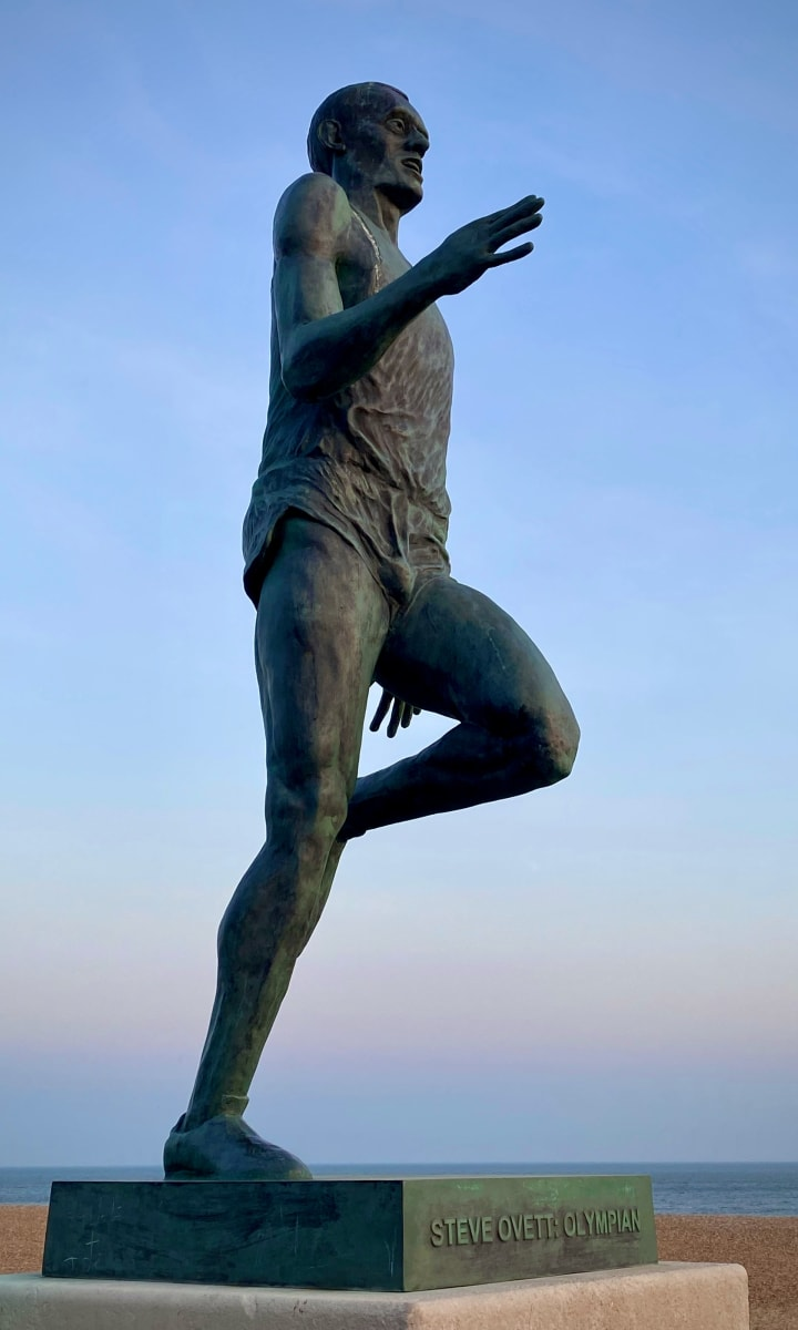 Statue of Steve Ovett.