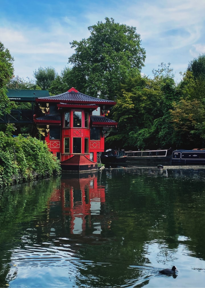 Feng Shang Princess chinese restaurant on a boat.