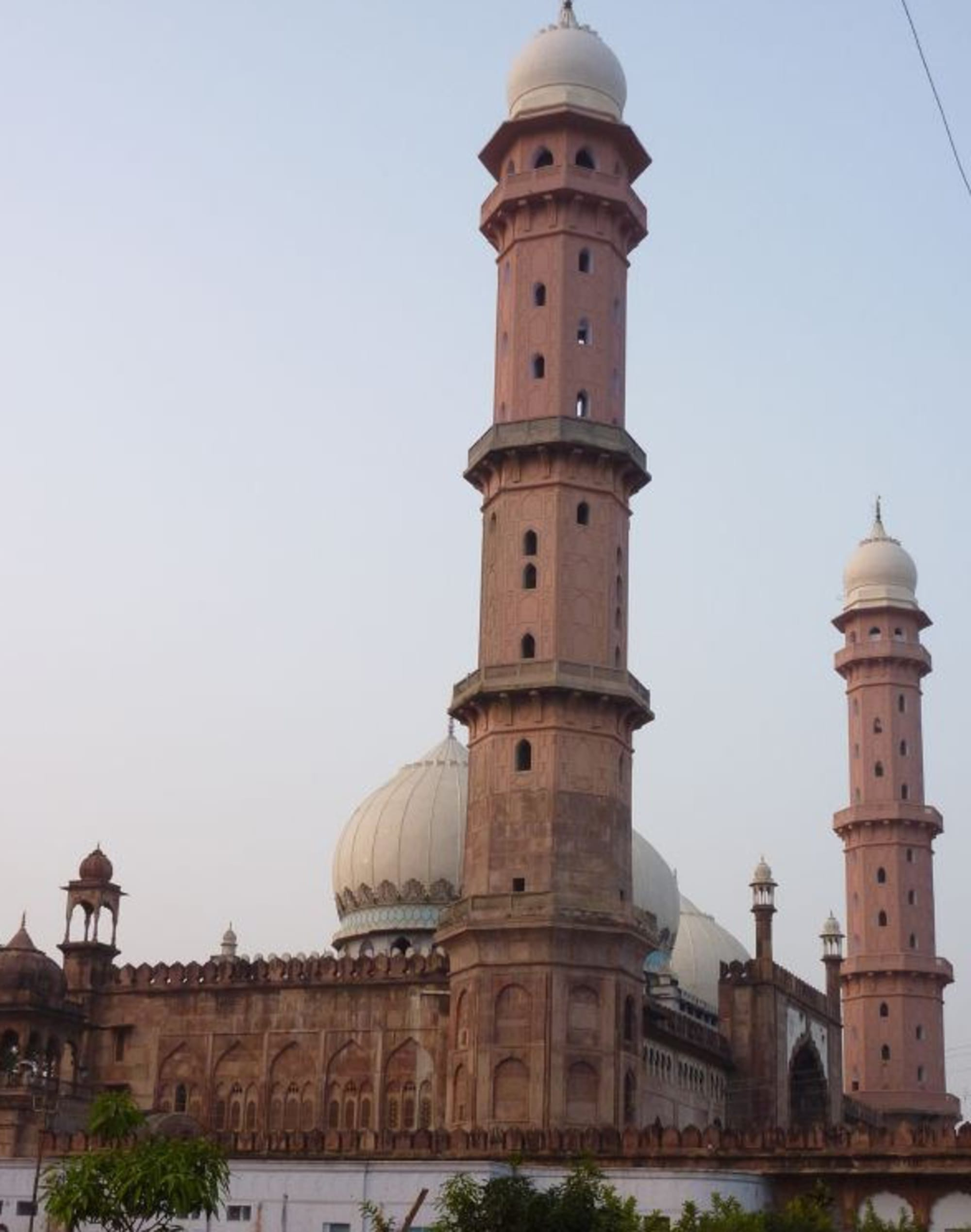 "Taj-ul-Masajid or ""Crown of the Mosques"