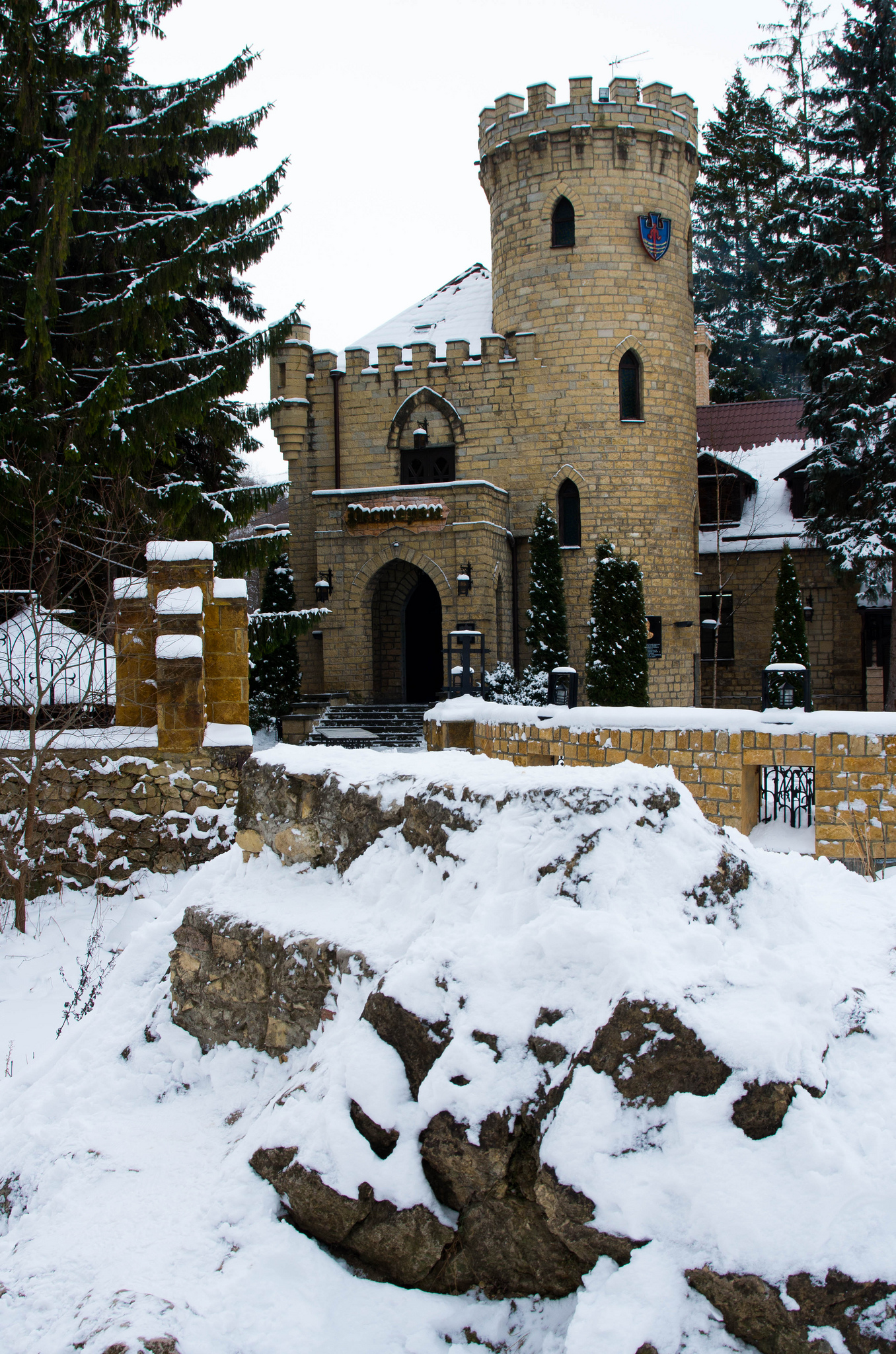 Замок Коварства и любви, Кавказские минеральные воды