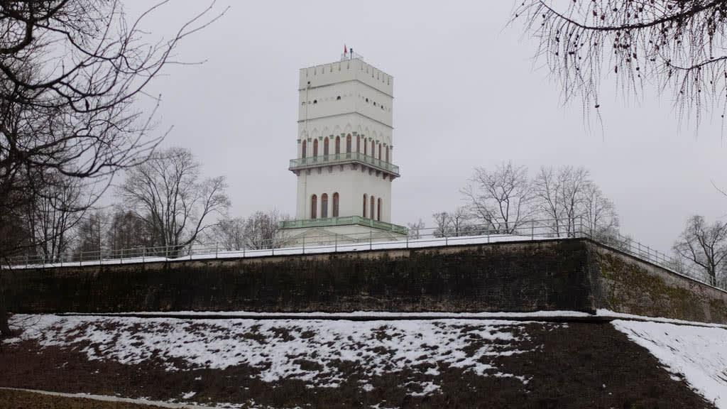 Белая башня, Пушкин