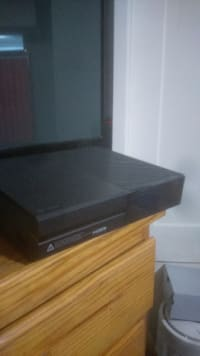 Xbox one, Xbox one, 2014, No damage,  works fine just need some money asap.