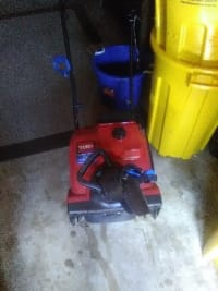Snowblower, A Toro snowblower power clear 418ze only used once