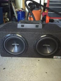 "Kenwood dual 10"" Subwoofer w/ 500-watt amp, Selling my 10"" boxed Kenwood subs w/ 500-watt amp Perfect condition only used for 6 months, Gently used"