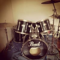 Drums Pearl Export 5 Piece with Cymbals and Hardware , classic black Pearl Export series 5 piece drum set with all cymbals and hardware. The drums are in great shape. , Gently used