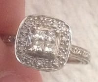Diamond engagement ring, Beautiful engagement ring: 