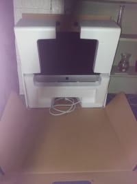 iMac Desktop 21.5, Electronics, Apple, iMac Desktop  21.5, With power and and apple keyboard ..only used 4 times