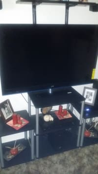 Jvc full hd television 50', Model number.. Lt-50a330 all black......50', Gently used