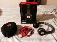 Beats By Dre Solo HD Black Headphones, Like New Beats By Dre Solo HD headphones. 
